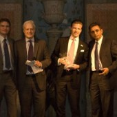 Nikolaus von Johnston mit Rakesh Bhasin beim Colt Partner of the Year Award